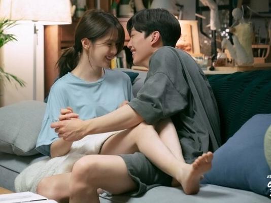 'Nevertheless' gặp vận xui, phốt liên hoàn từ phim đến diễn viên, Song Kang và Han So Hee gánh không nổi