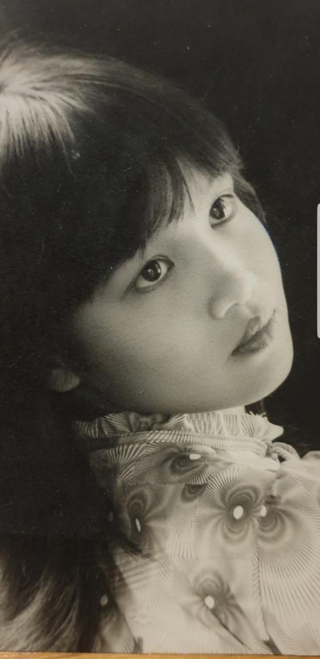 Bà Bích của 'Hương vị tình thân' rò rỉ hình ảnh cực quyến rũ thời trẻ như mỹ nhân Thư Kỳ