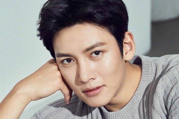 Seo Ye Ji liệu có tái xuất màn ảnh hậu scandal và sánh vai bên cạnh nam thần Ji Chang Wook như lời đồn?