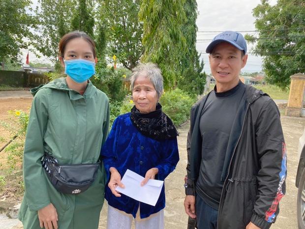 Làm từ thiện như vợ chồng Lý Hải - Minh Hà: Không cần đòi hỏi mới sao kê, ghi điểm mạnh nhờ tấm lòng nhân hậu