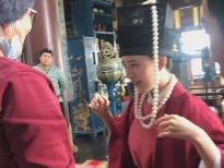 Triệu Lộ Tư đeo đầy châu báu, ngọc ngà ở 'Quốc Tử Giám có một nữ đệ tử' pha trò ở hậu trường
