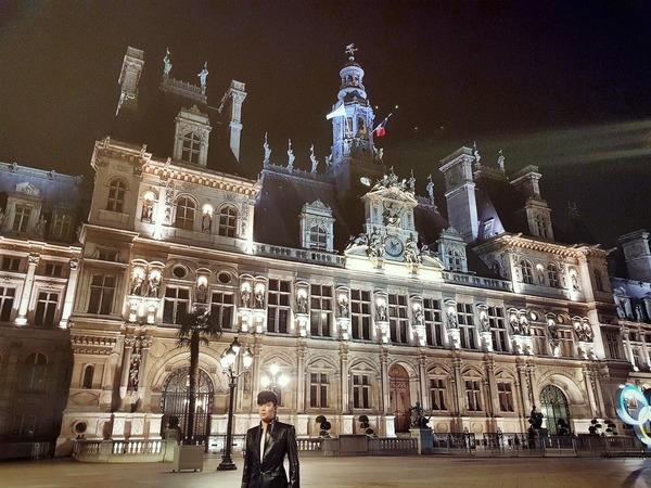 Trước bão drama với Ngọc Trinh và Cao Thái Sơn, Nathan Lee bất ngờ bị tố 'nhận vơ' Tòa thị chính Paris là khách sạn 2.500 tỷ nhà mình