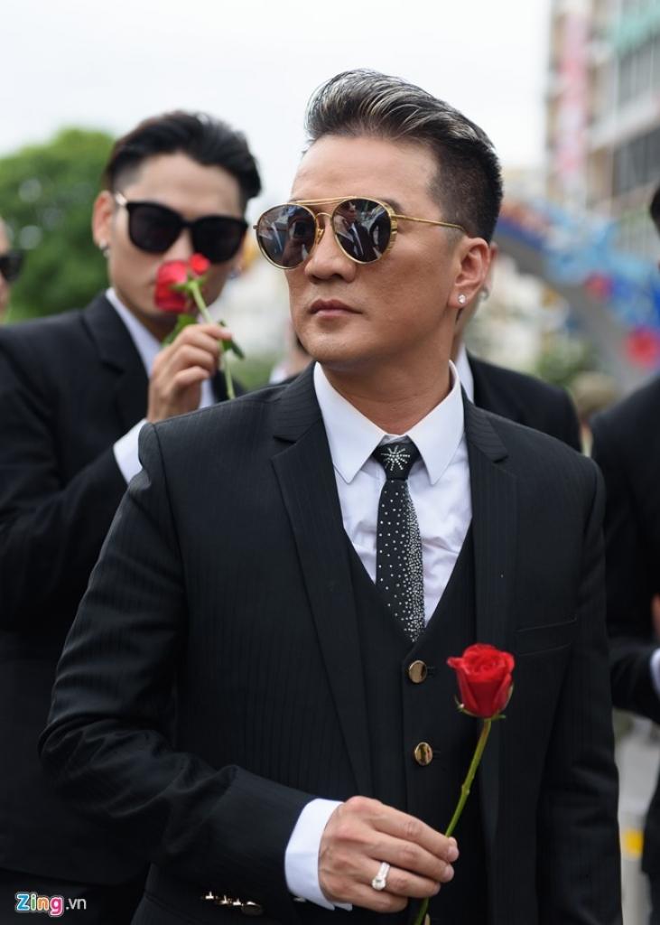 dam vinh hung khong noi chuyen khong an com me nau may thang qua