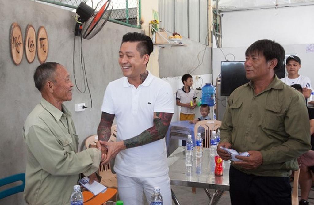 showbiz viet nam 2016 khong chi la scandal am i ma con co nhung khoang lang am long the nay day