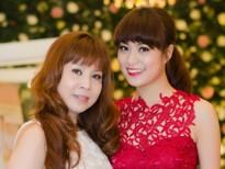 Những người mẹ luôn âm thầm hỗ trợ phía sau các sao Việt