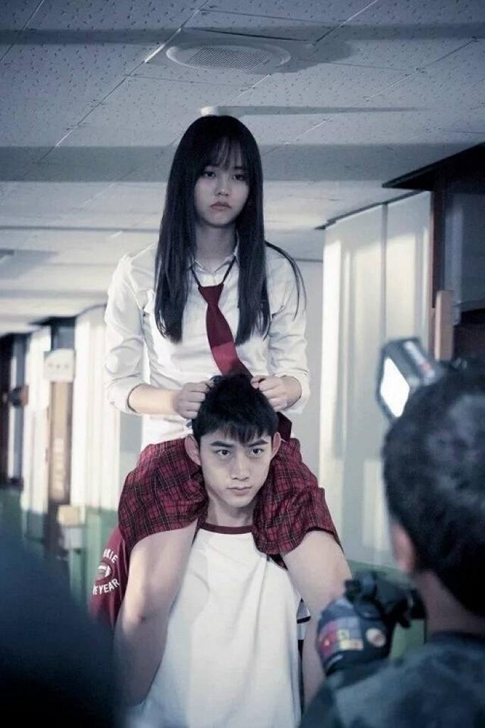 dung buon vi chieu cao cac co nang nam lun trong phim han toan yeu duoc trai dep day nay