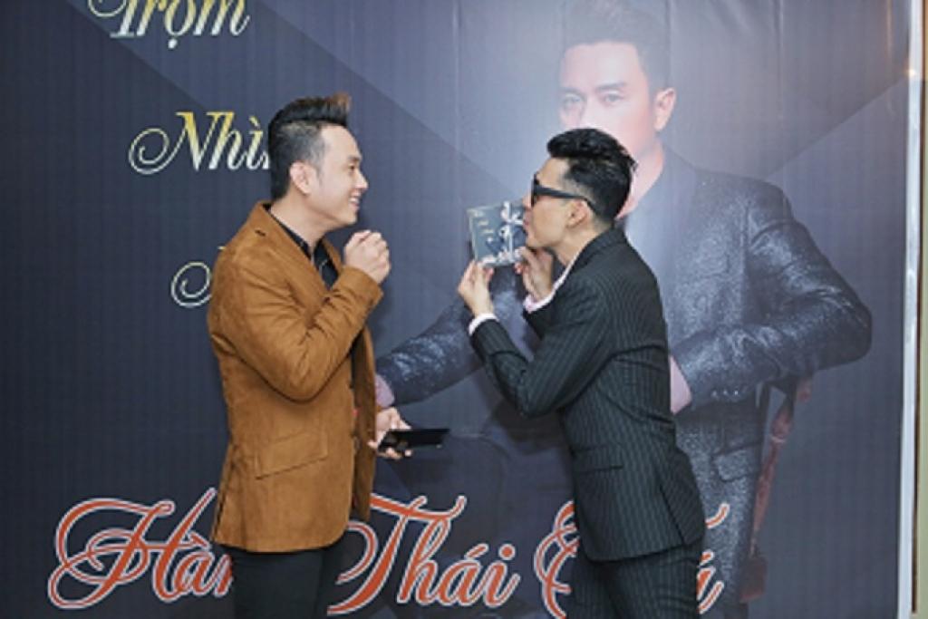 han thai tu khong ngai loi nguoc dong