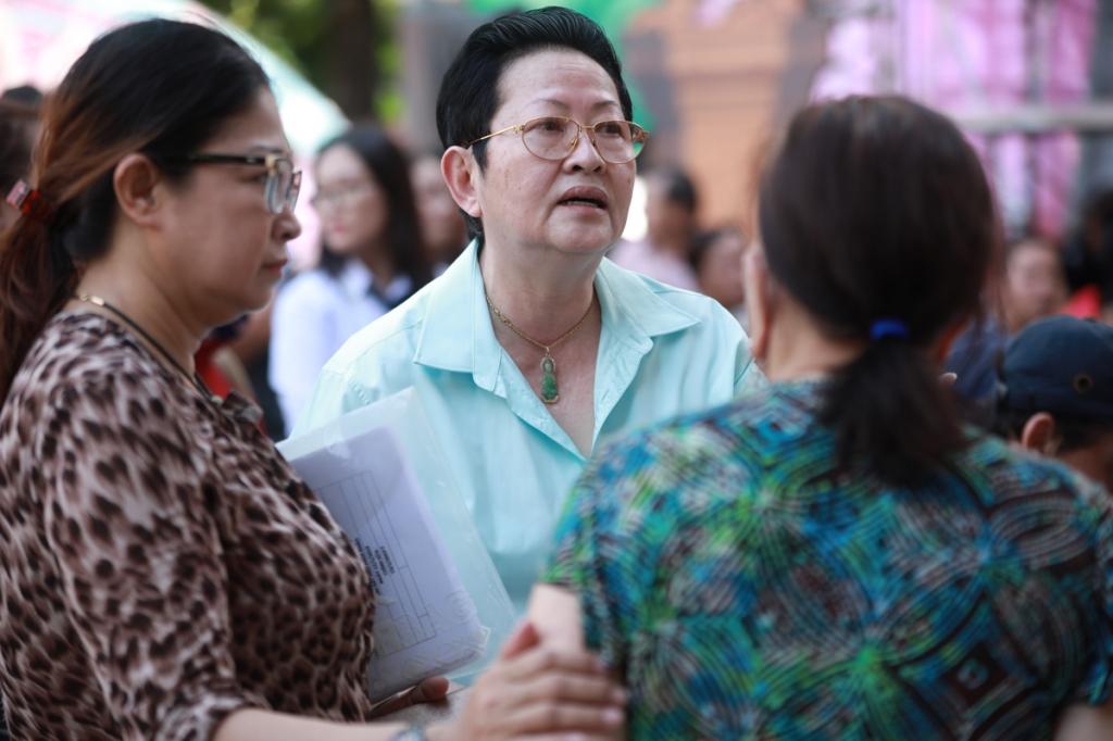 dan nghe si gao coi ra suc tap luyen truoc them 100 nam san khau cai luong