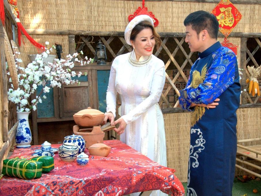 Hoa hậu Ngọc Bảo Trâm du Xuân cùng danh hài Quang Minh