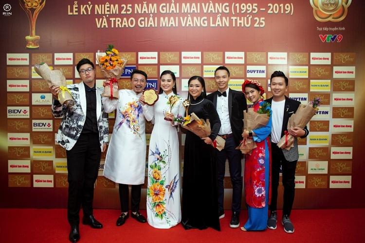 nsut hoai linh nhan tin chuc mung lam vy da dat giai mai vang 2019