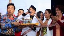 U60 Chí Tài hát, nhảy cực sung trong tiệc mừng đăng quang của Titi