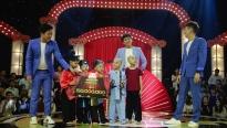Lần đầu tiên trong lịch sử 'Thách thức danh hài' có nhóm thí sinh thi đến 15 vòng khiến giám khảo cười 28 lần liên tiếp