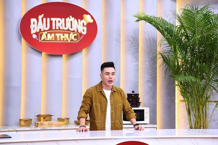 Lý do vợ Lê Dương Bảo Lâm là người vui nhất khi anh làm MC 'Đấu trường ẩm thực 2021'?