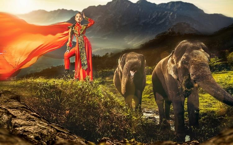 Bella Vũ tái hiện hình ảnh Hai Bà Trưng ra trận