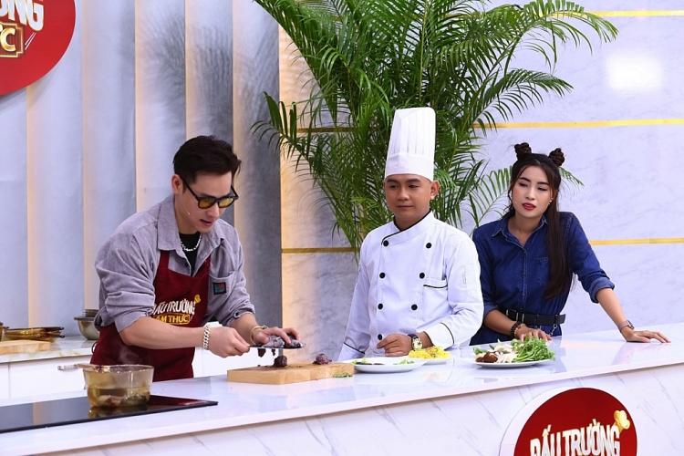 'Đấu trường ẩm thực': Lê Dương Bảo Lâm, Chu Bin ngỡ ngàng với trình độ 'thả thính' của Phạm Yến