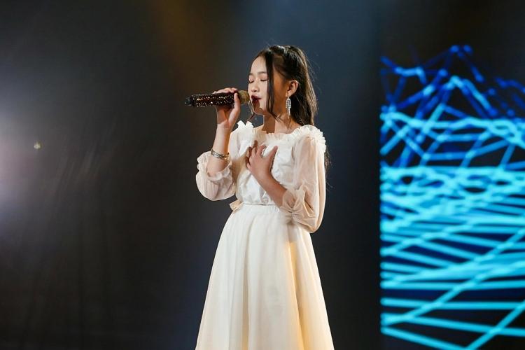 'Giọng hát Việt nhí New Generation 2021': Hồ Hoài Anh - Lưu Hương Giang 'ngư ông đắc lợi' dẫn đầu với số thí sinh sau tập 2