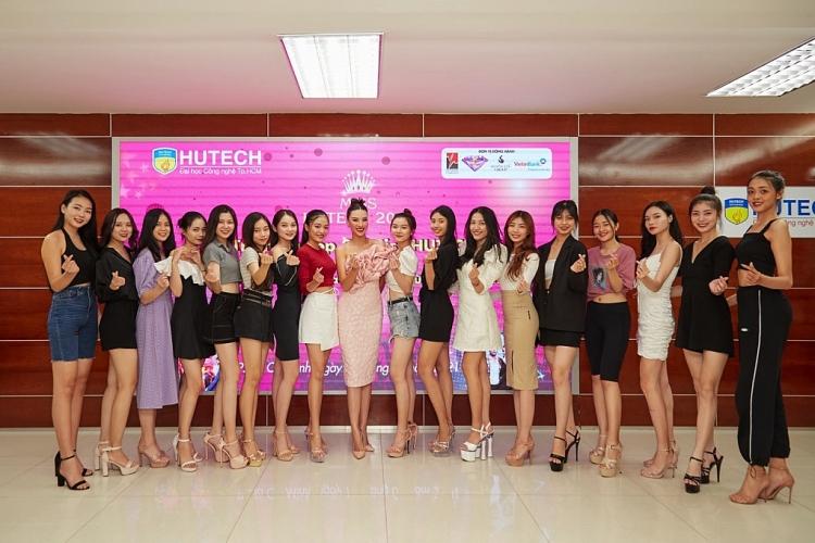 Á hậu Kim Duyên huấn luyện các thí sinh 'Miss Hutech 2021'