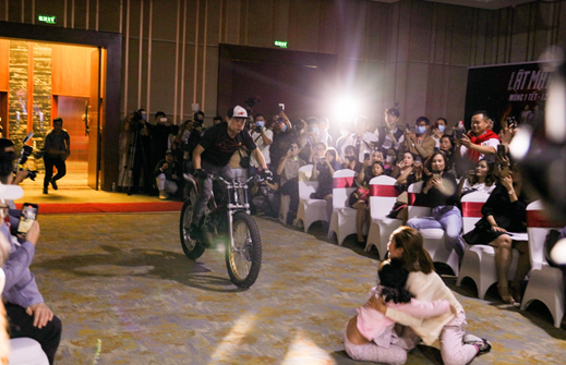 Lần đầu tiên tổ chức show hành động tại Việt Nam, Lý Hải tung luôn trailer đánh đấm mãn nhãn
