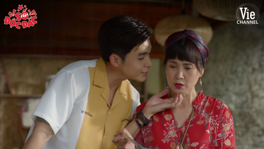 'Số độc đắc' tập 1: Jun Phạm được tặng tờ vé số độc đắc khi đang ngủ gật