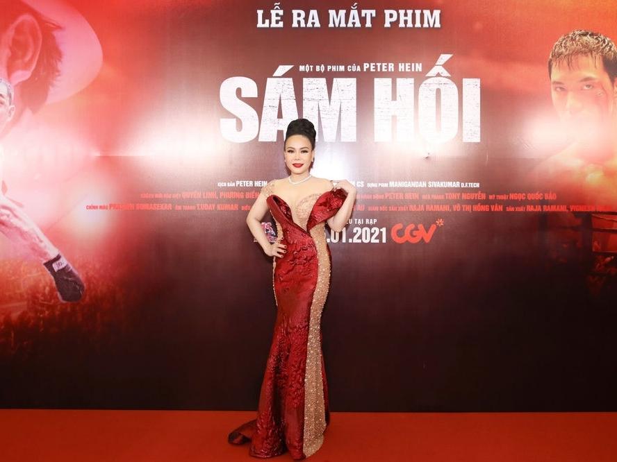 Nghệ sĩ Việt Hương khiến khán giả khóc trôi rạp khi xem 'Sám hối'
