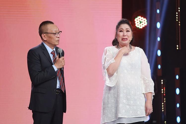 'Ký ức vui vẻ': NSND Hồng Vân bật khóc nhớ về những nghệ sĩ đã ra đi