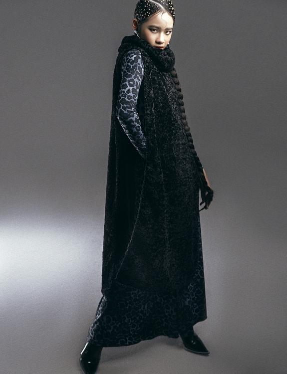 Mẫu nhí Bảo Hà gây ấn tượng mạnh với bộ ảnh 'chiến binh báo đen'