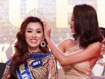 Á hậu Kim Duyên trao vương miện cho tân Hoa khôi Huflit