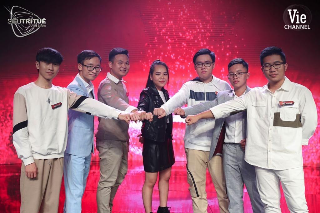 'Siêu trí tuệ Việt Nam': 'Phù thủy toán học' Huy Hoàng trở lại từ lời thách đấu của đối thủ 19 tuổi từng hạ Duy Bách