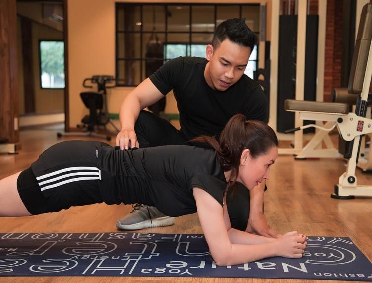 Phi Nhung kêu gọi tập thể dục nâng cao sức khỏe phòng chống Covid-19