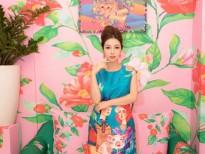 Hoa hậu Jennifer Phạm diện trang phục mới khi làm MC trong chuyến công tác nước ngoài
