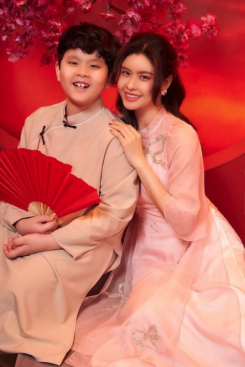 Trương Quỳnh Anh đằm thắm, mặn mà trong bộ ảnh đón Tết cùng con trai 9 tuổi