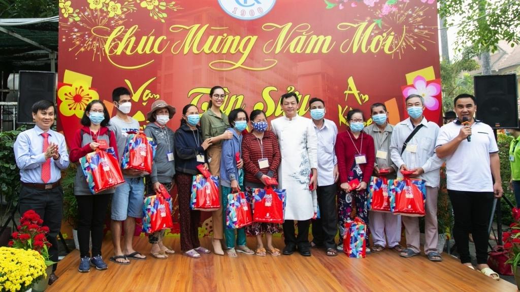 Các người đẹp 'Hoa hậu hoàn vũ Việt Nam' tích cực hoạt động thiện nguyện những ngày cận Tết Tân Sửu 2021