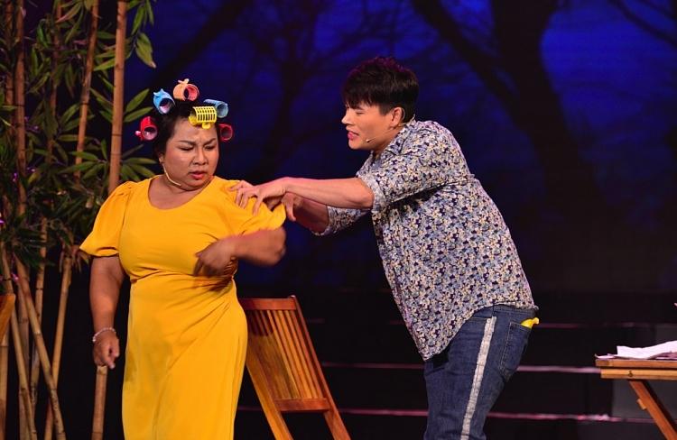 'Cười xuyên Việt 2020': Giám khảo Kiều Oanh liên tục 'ứng khẩu thành thơ' nhận xét thí sinh