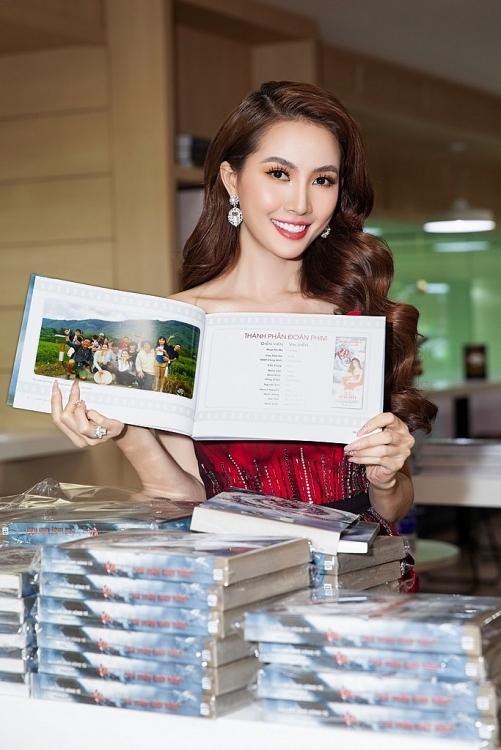 Hoa hậu Phan Thị Mơ: Làm nghệ thuật hay làm gì cũng vậy, bình tĩnh mà sống thôi!