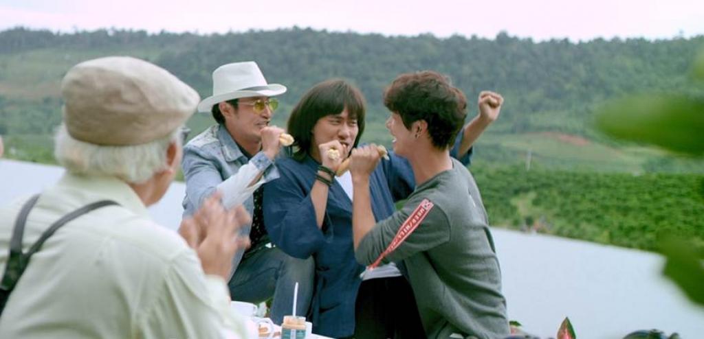 lan dau tien kieu minh tuan khoe giong hat an tuong trong mv nhac phim lat mat ba chang khuyet