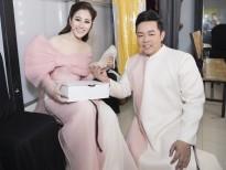 Quang Lê tặng giày 'dằn mặt' Tố My khi ghi hình 'Thần tượng bolero'