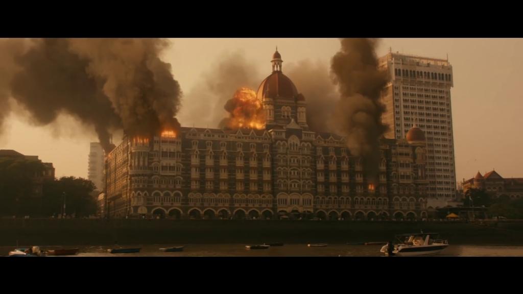 hotel mumbai tai hien ky uc kinh hoang ve vu khung bo dam mau nhat lich su nam 2008