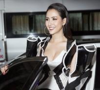 hoa hau phan thi mo tu tay lai xe hop 45 ty di cham thi ban ket fitness model 2019