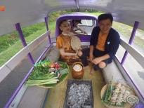 Hội chị em 'hết hồn' với trải nghiệm lần đầu đi food tour cùng Trường Giang