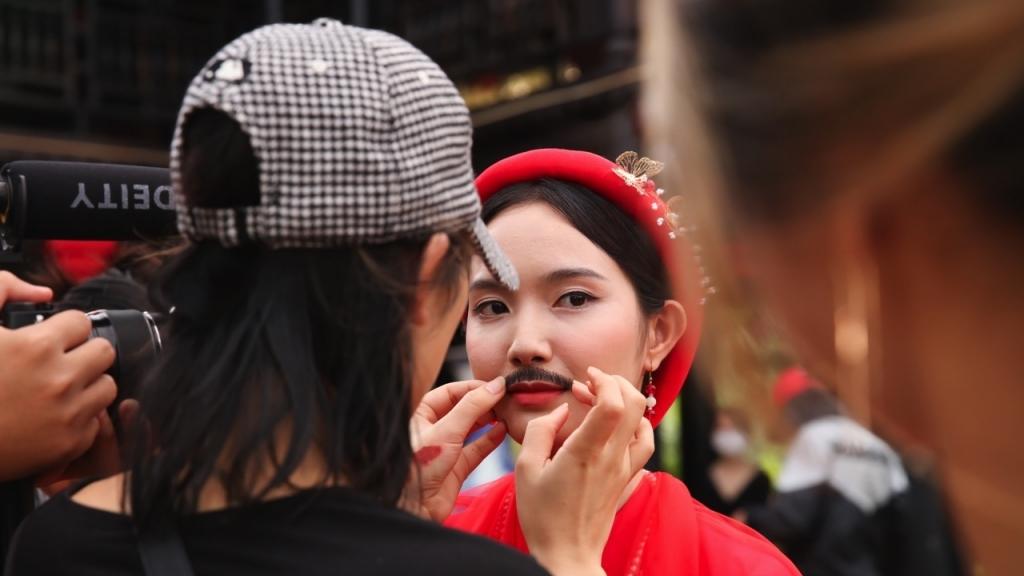 Jang Mi hé lộ hậu trường 'lầy lội' của MV cổ trang tiền tỷ