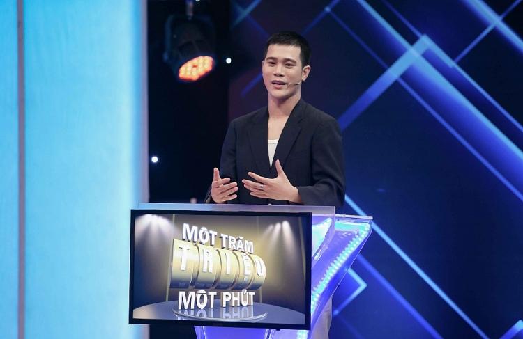 '100 triệu 1 phút': Dũng 'Mắt biếc' Trần Phong đốn tim khán giả nữ với giọng hát không thua gì Ngạn