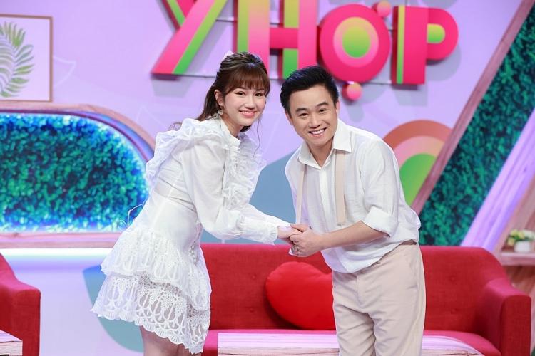 Hữu Tín gây sốt khi công khai bạn gái trên sóng truyền hình