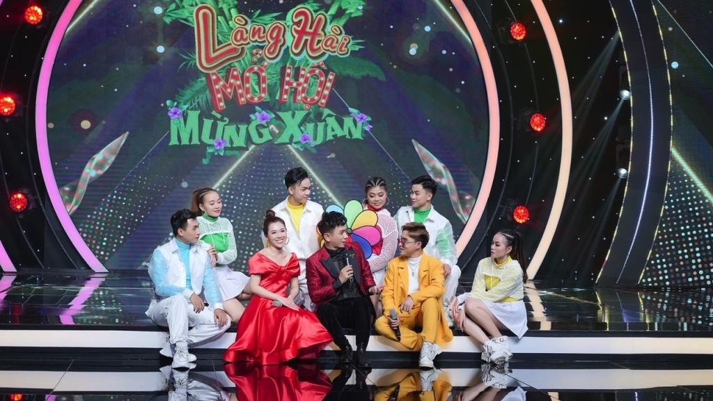 Nguyễn Kiều Oanh, Hiểu Băng và Lina Nguyễn đọ sắc trong 'Làng hài mở hội mừng xuân'