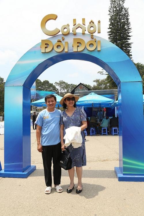 Được Việt Hương tặng xe tiền tỷ, vì sao ông Đoàn Ngọc Hải lại từ chối?