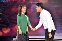 Minh Luân tình tứ diễn hài cùng bạn gái trên sân khấu 'Gala nghệ thuật Cười xuyên Việt'