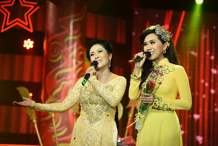 NSND Hồng Vân ngồi 'ghế nóng' giám khảo chính 'Sao nối ngôi' mùa 5