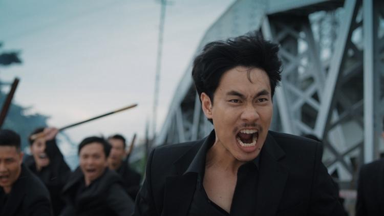 Kiều Minh Tuấn 'lột xác' thành thanh niên nghiêm túc, thích sử dụng tay chân hơn lời nói trong 'Chìa khóa trăm tỷ'