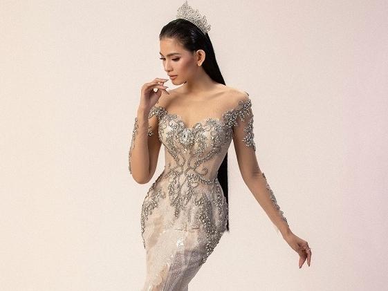 Á hậu Trương Thị May khoe đường cong nuột nà với váy cưới đuôi cá