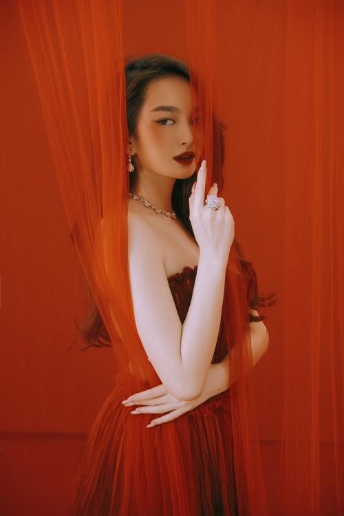 Kaity Nguyễn ngày càng quyến rũ khiến bao người ghen tỵ