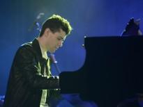 Alessandro Martire bất ngờ tặng khán giả Việt Nam 2 bản nhạc mới lần đầu được công diễn trên thế giới